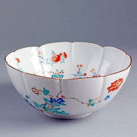 Kakiemon-style bowl with pomegranate and peony design  Arita  Japan  1690-1720. Museum no. C.293-1910  © Victoria and Albert Museum  London.